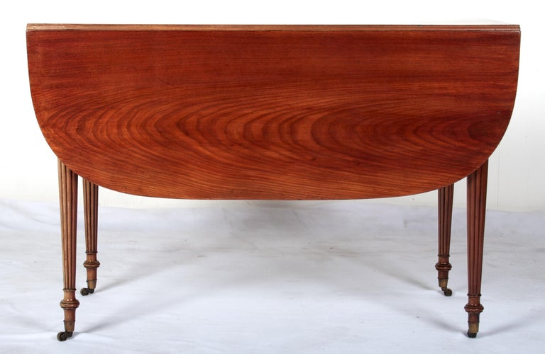 Late 18th Century Mahogany Pembroke Dining Table For Sale 2