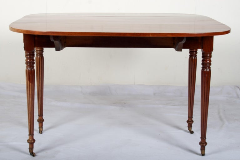 Late 18th Century Mahogany Pembroke Dining Table For Sale 3