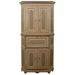 Swedish Gustavian 1790s Grey and Blue Painted Corner Cabinet with Reeded Motifs
