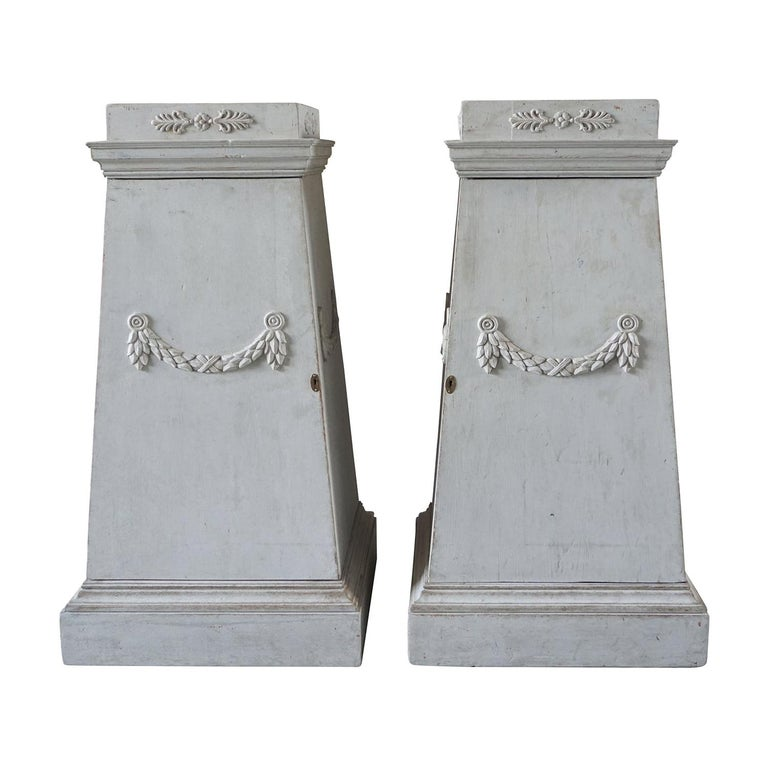 Late 18th Century Pair of Gustavian Pedestals For Sale
