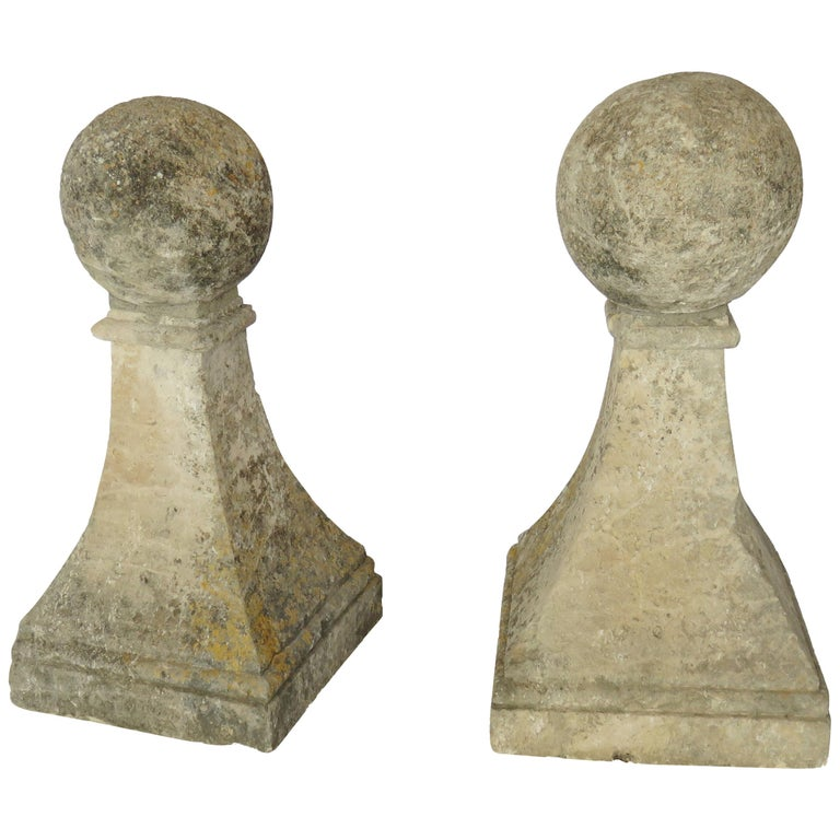 Late 18th Century Pair of Hand Cut Stone Finials with Ball Tops For Sale