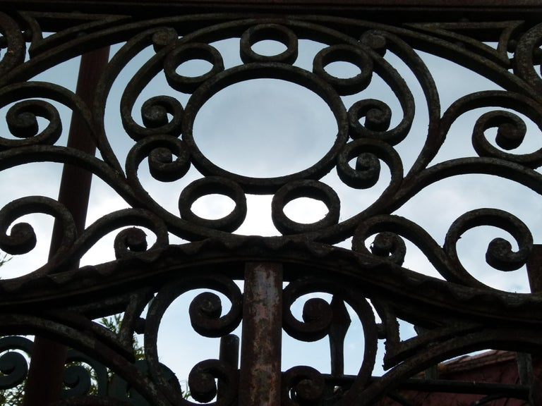 Late 18th Century Spanish Iron Gate In Fair Condition For Sale In Vulpellac, Girona