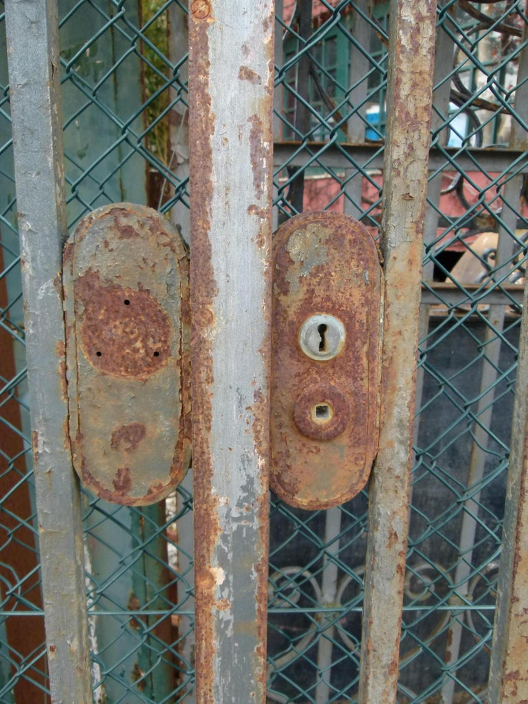 Late 18th Century Spanish Iron Gate For Sale 1