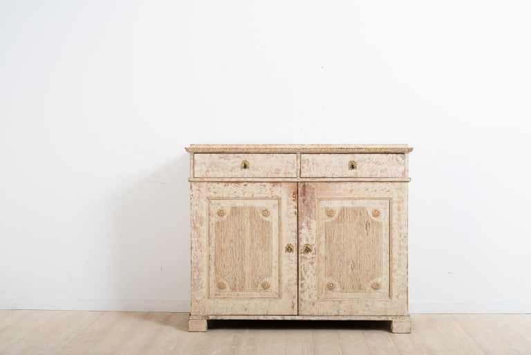 Hand-Carved Late 18th Century Swedish Double Doored Gustavian Sideboard For Sale
