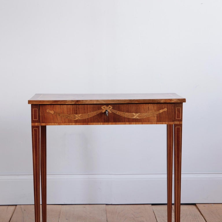 Late 18th Century Swedish Gustavian Occasional Table with Fruitwood Inlay In Good Condition For Sale In New York, NY