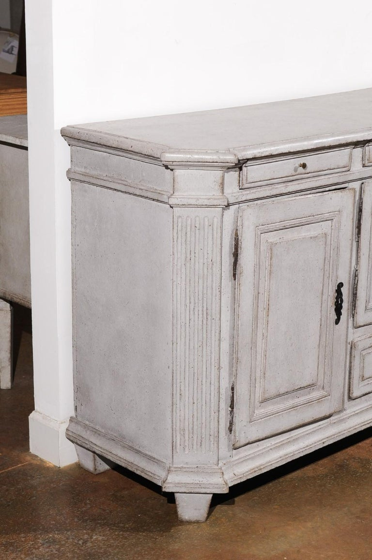 Late 18th Century Swedish Gustavian Painted Wood Sideboard with Fluted Pilasters For Sale 2