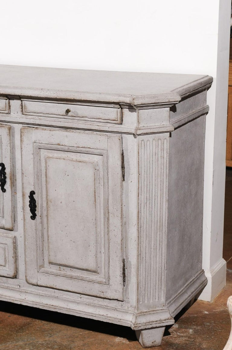 Late 18th Century Swedish Gustavian Painted Wood Sideboard with Fluted Pilasters For Sale 3