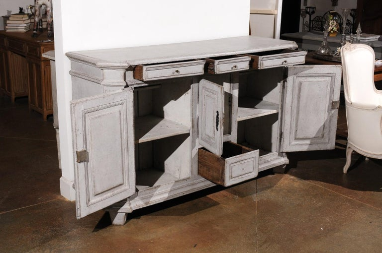 Late 18th Century Swedish Gustavian Painted Wood Sideboard with Fluted Pilasters For Sale 4