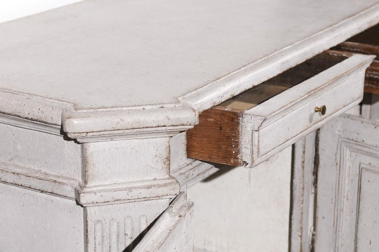 Late 18th Century Swedish Gustavian Painted Wood Sideboard with Fluted Pilasters For Sale 5