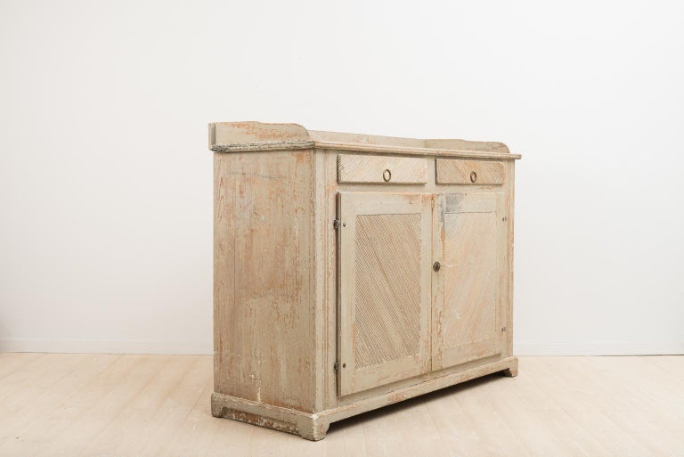 Late 18th Century Swedish Gustavian Sideboard in Original Condition In Good Condition For Sale In Kramfors, SE