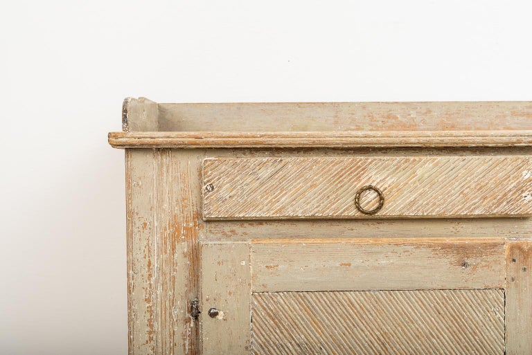 Late 18th Century Swedish Gustavian Sideboard in Original Condition For Sale 1