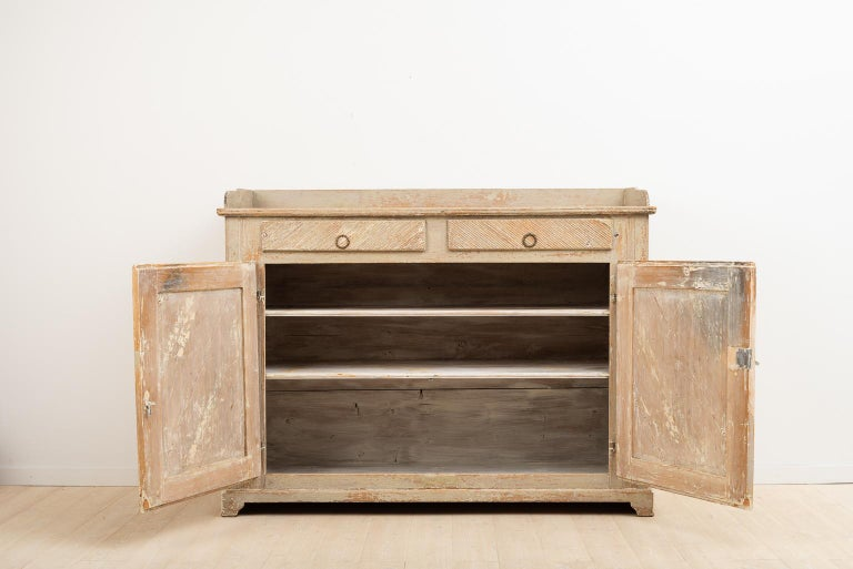 Late 18th Century Swedish Gustavian Sideboard in Original Condition For Sale 3