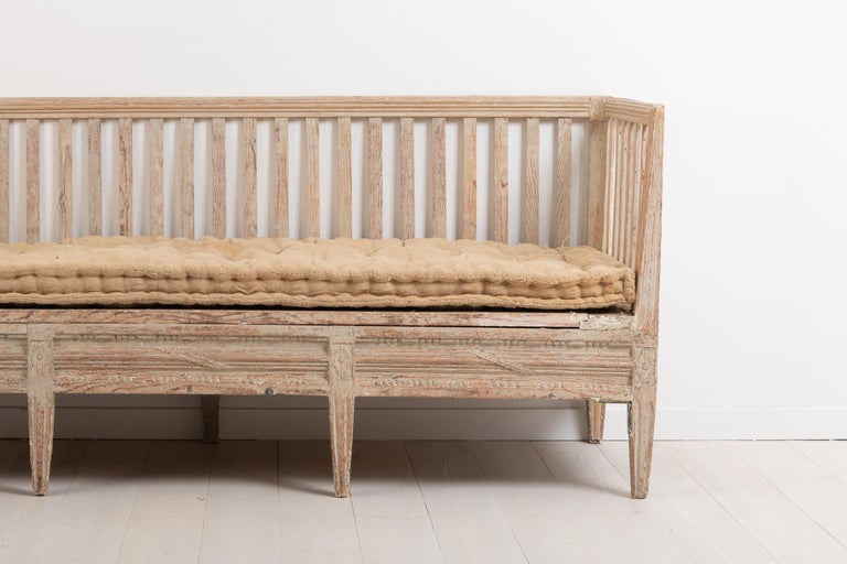 Hand-Crafted Late 18th Century Swedish Neoclassic Sofa Bench For Sale
