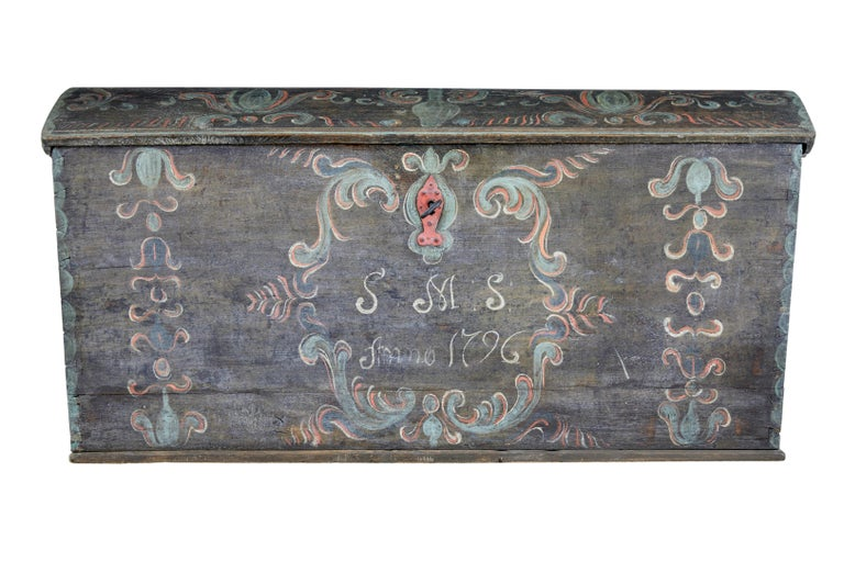 Late 18th Century Swedish Oak and Hand Painted Dome Top Trunk 3