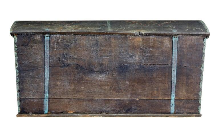 Ende des 18. Jahrhunderts, schwedische Eiche und Hand bemalte Truhe mit Kuppeldeckel 6