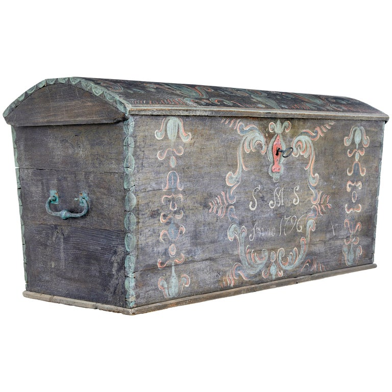 Late 18th Century Swedish Oak and Hand Painted Dome Top Trunk 1