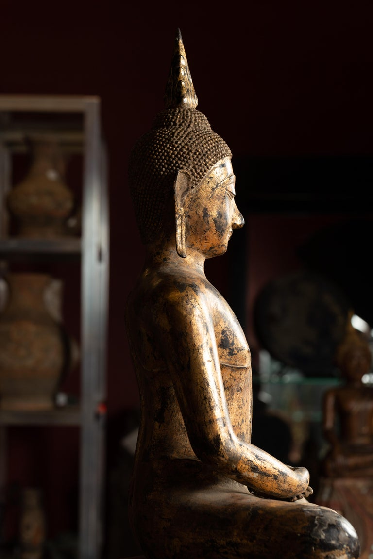 Late 18th Century Thai Gilt Bronze Meditative Seated Buddha Statue on Pedestal For Sale 7