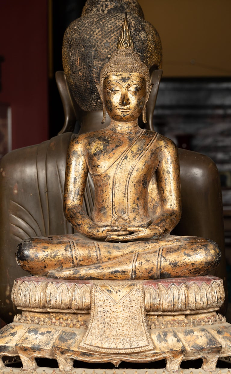 Late 18th Century Thai Gilt Bronze Meditative Seated Buddha Statue on Pedestal In Good Condition For Sale In Yonkers, NY