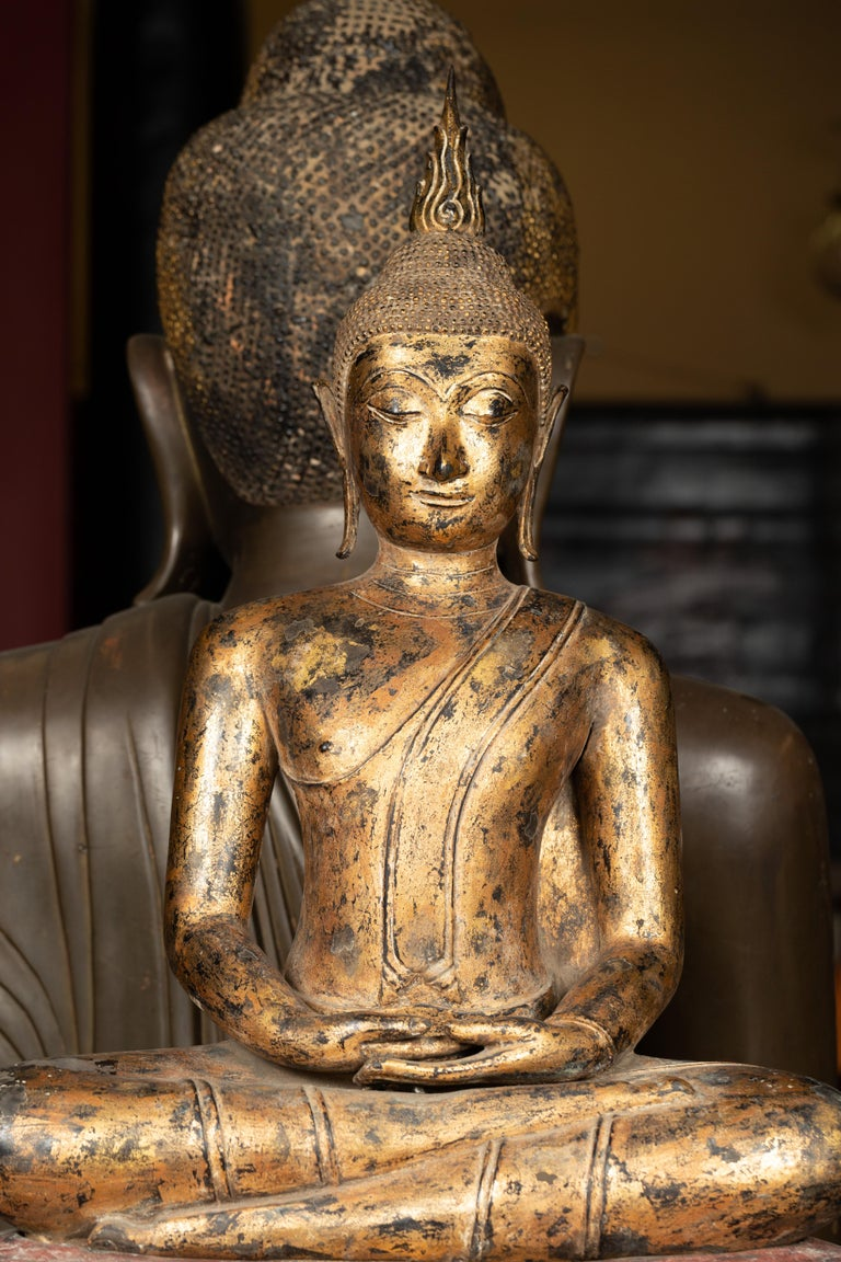 Late 18th Century Thai Gilt Bronze Meditative Seated Buddha Statue on Pedestal For Sale 1
