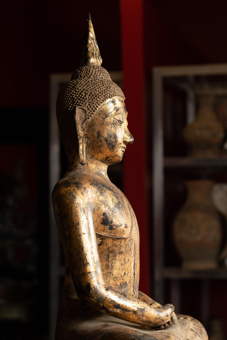 Late 18th Century Thai Gilt Bronze Meditative Seated Buddha Statue on Pedestal For Sale 3
