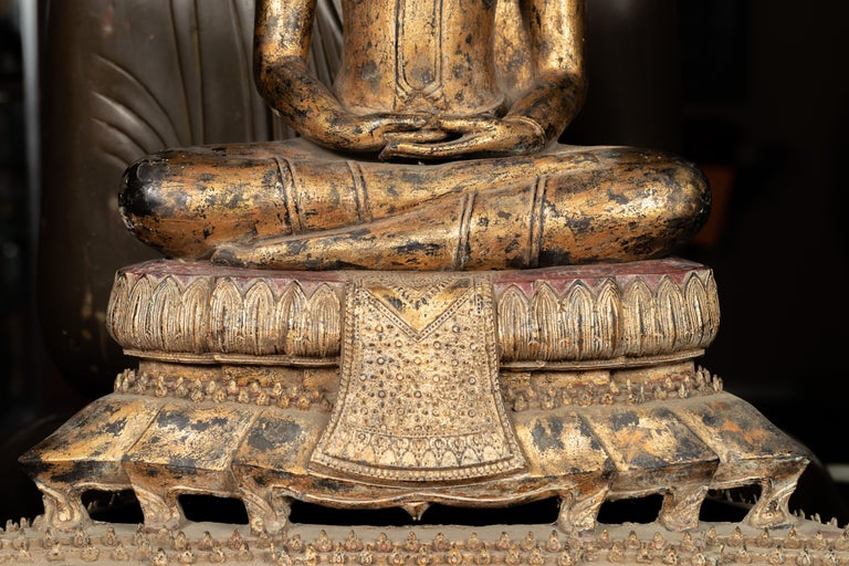 Late 18th Century Thai Gilt Bronze Meditative Seated Buddha Statue on Pedestal For Sale 4