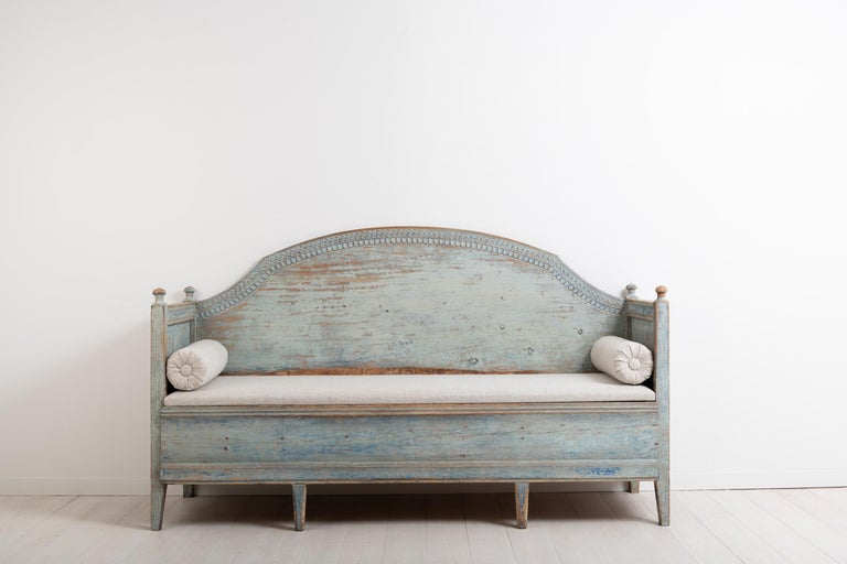 Hand-Crafted Late 18th Century Unusual Swedish Gustavian Sofa For Sale