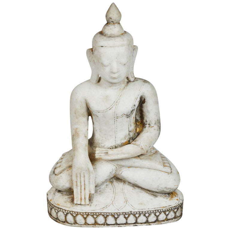 Late 18th Century White Alabaster Carved Ava Style Buddha Statue For Sale