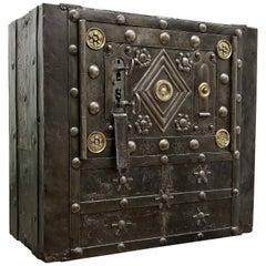 Ende des 18. Jahrhunderts Schmiedeeisen Italienischer Antiker Hobnail Safe Tresor