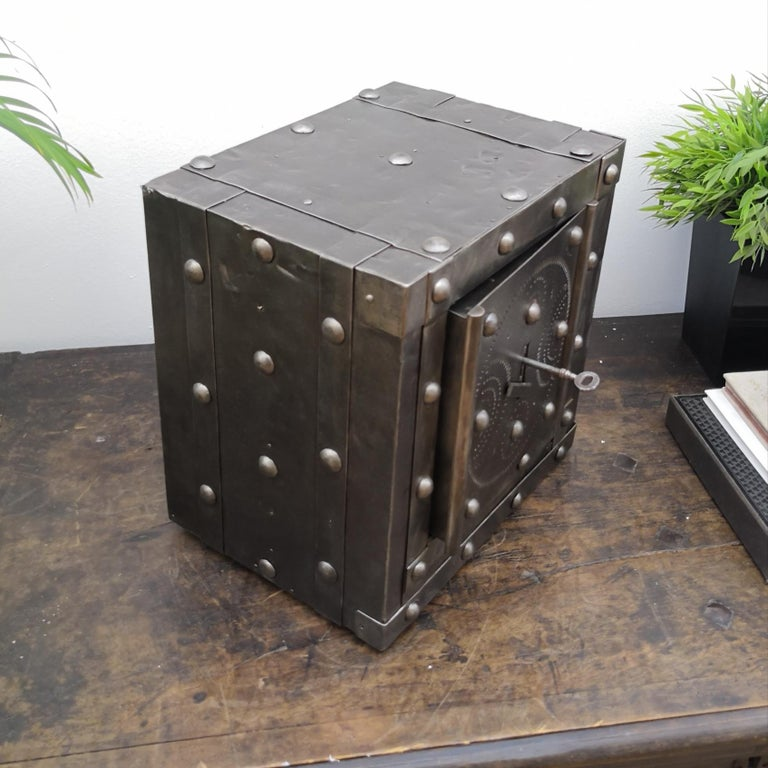 Late 18th Century Wrought Iron Italian Antique Hobnail Studded Safe Strongbox For Sale 1