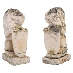 Late 18th-Early 19th Century Spanish Pair of Hand Carved Lions Holding Shields