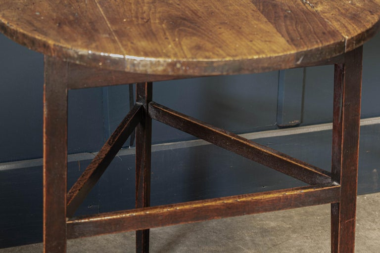 Late 18thc English Ash & Fruitwood Cricket / Tavern Table For Sale 3