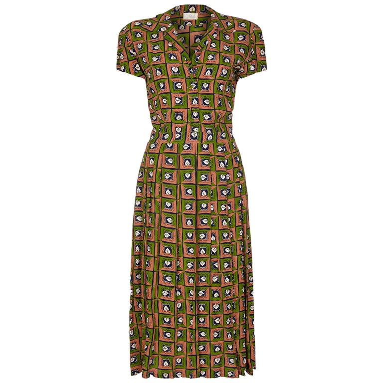 Late 1940s Very Early Suzy Perette Labelled Novelty Leaf Print Rayon Dress For Sale