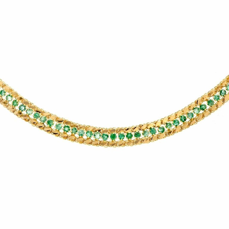Round Cut Late 1950s 18 Karat Yellow Gold Chocker Emerald Necklace For Sale