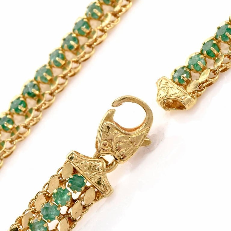 Late 1950s 18 Karat Yellow Gold Chocker Emerald Necklace In Excellent Condition For Sale In Miami, FL