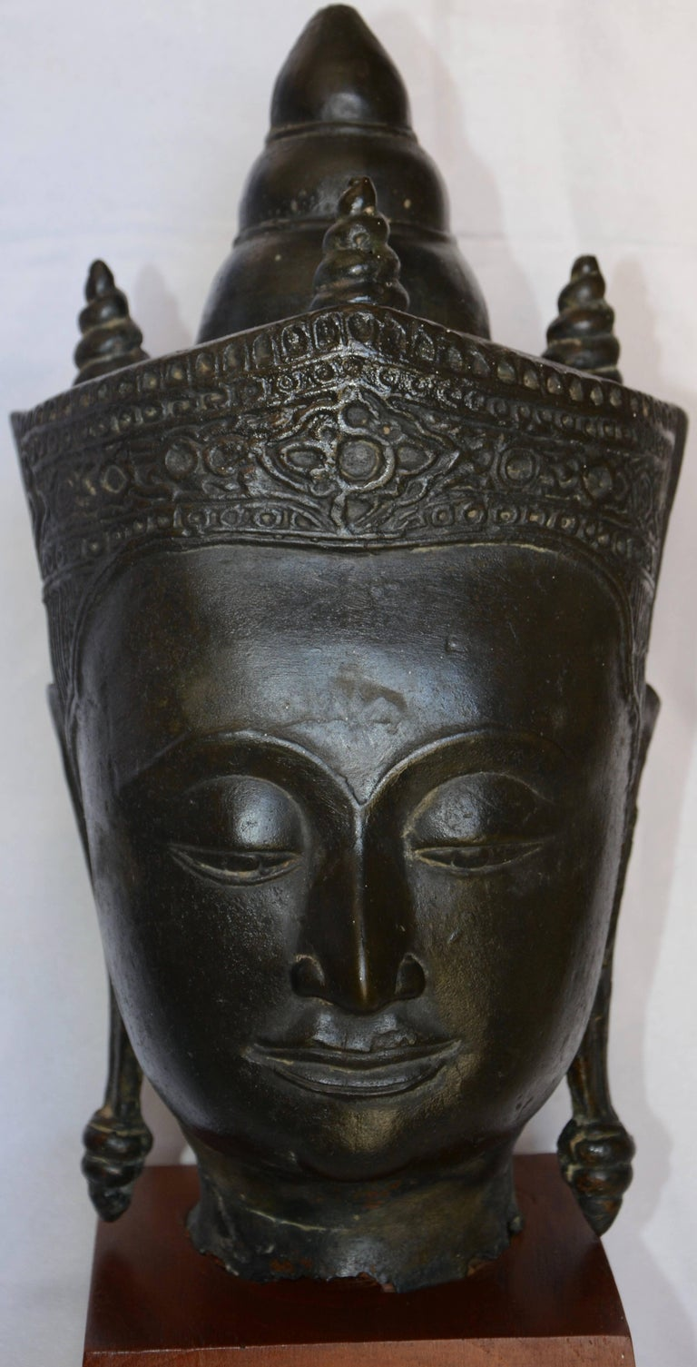 Tibetan Cast Bronze Bust of Buddha on Wooden Base, Late 18th Century For Sale