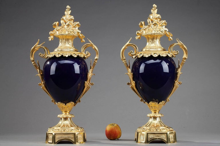 Late 19th Century Centerpiece Vases with Ormolu Mounts For Sale 4