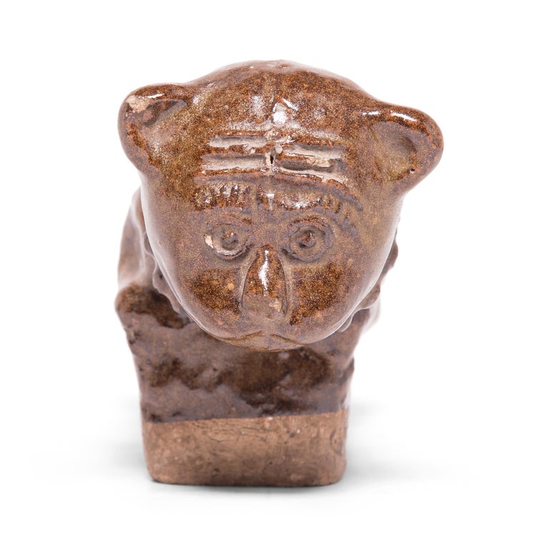 Late 19th Century Chinese Brown Glazed Cat Headrest For Sale 1