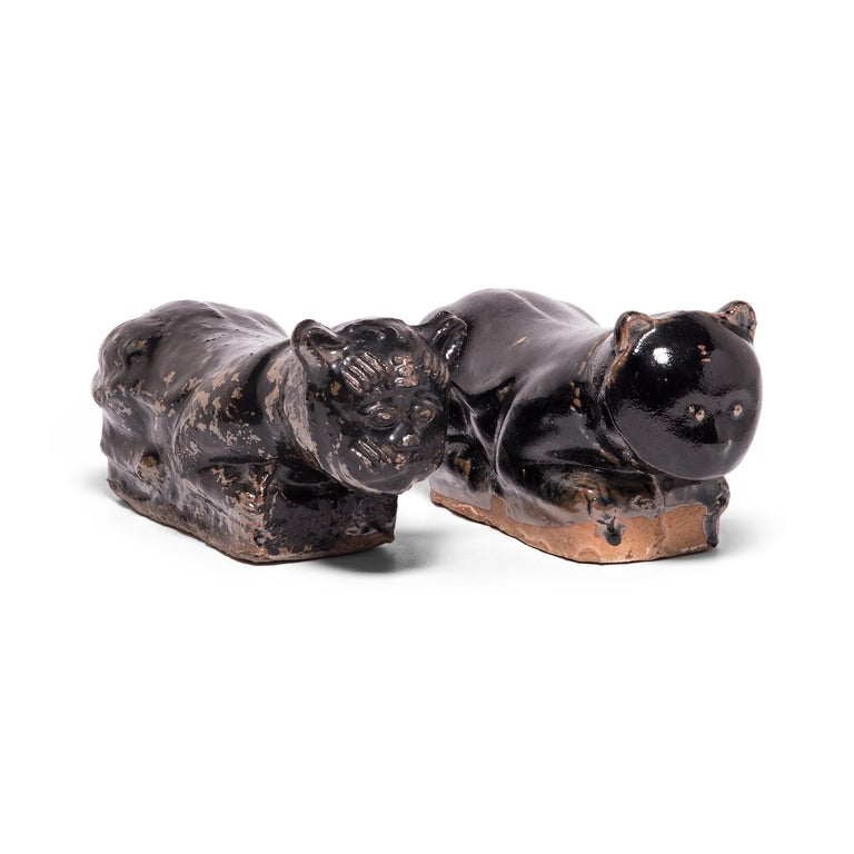 Ceramic Late 19th Century, Chinese Mottled Black Cat Headrest For Sale