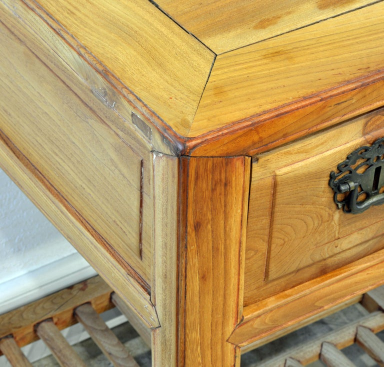 Late 19th Century Chinese Natural Color Elm Wood Desk For Sale 8
