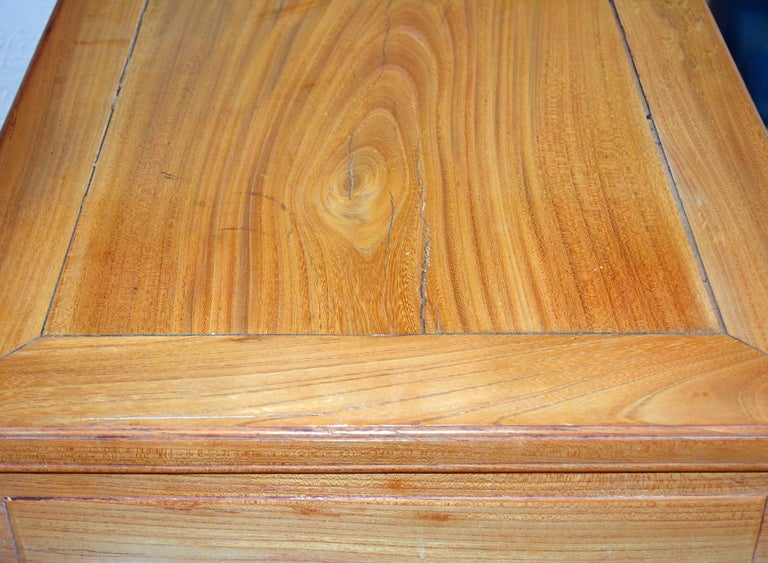 Late 19th Century Chinese Natural Color Elm Wood Desk For Sale 10