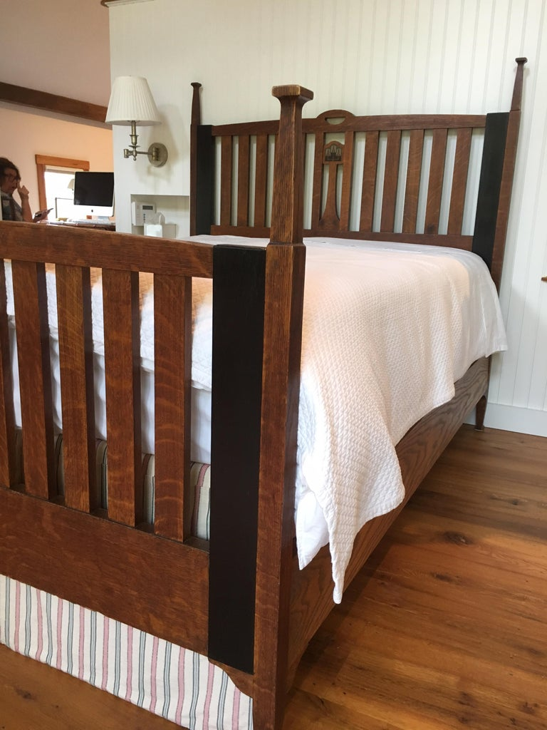 Late 19th Century English Arts & Crafts Oak Converted Queen Bed Frame 4