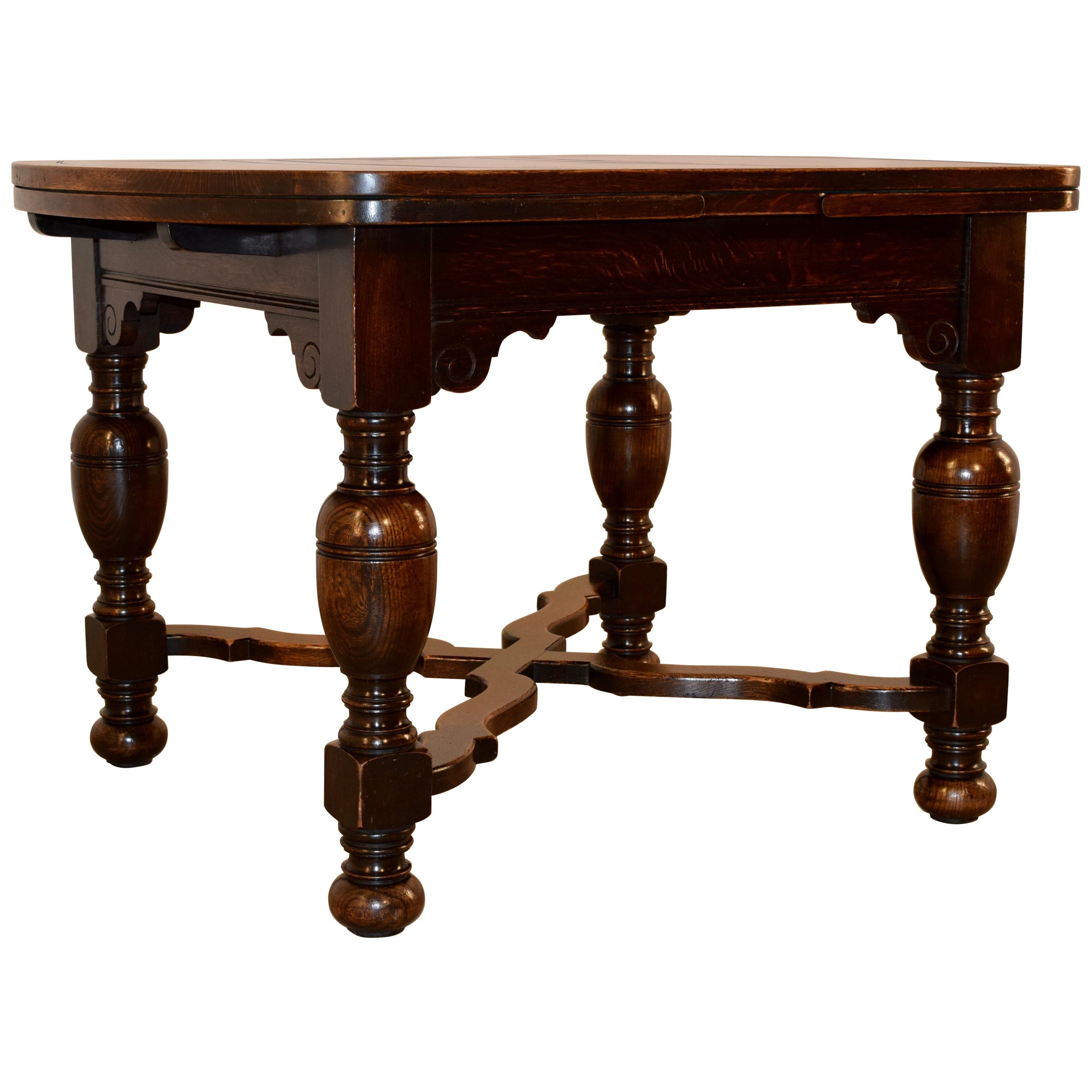 Late 19th Century English Draw Leaf Table