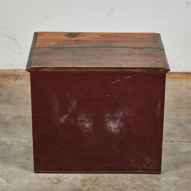 Late 19th Century English Tin and Wood Storage Box For Sale 3