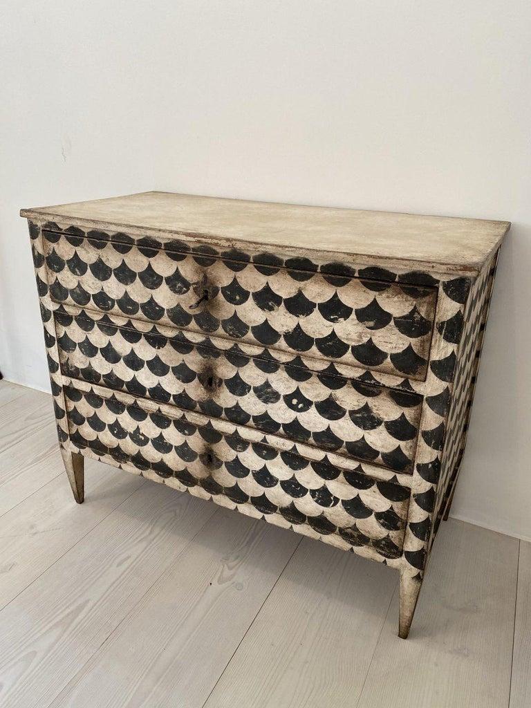Late 19th Century Eye-Catching Italian Dresser In Good Condition In Copenhagen K, DK