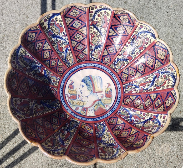 Italian Late 19th Century Footed Bowl Attributed to Alfredo Santarelli For Sale