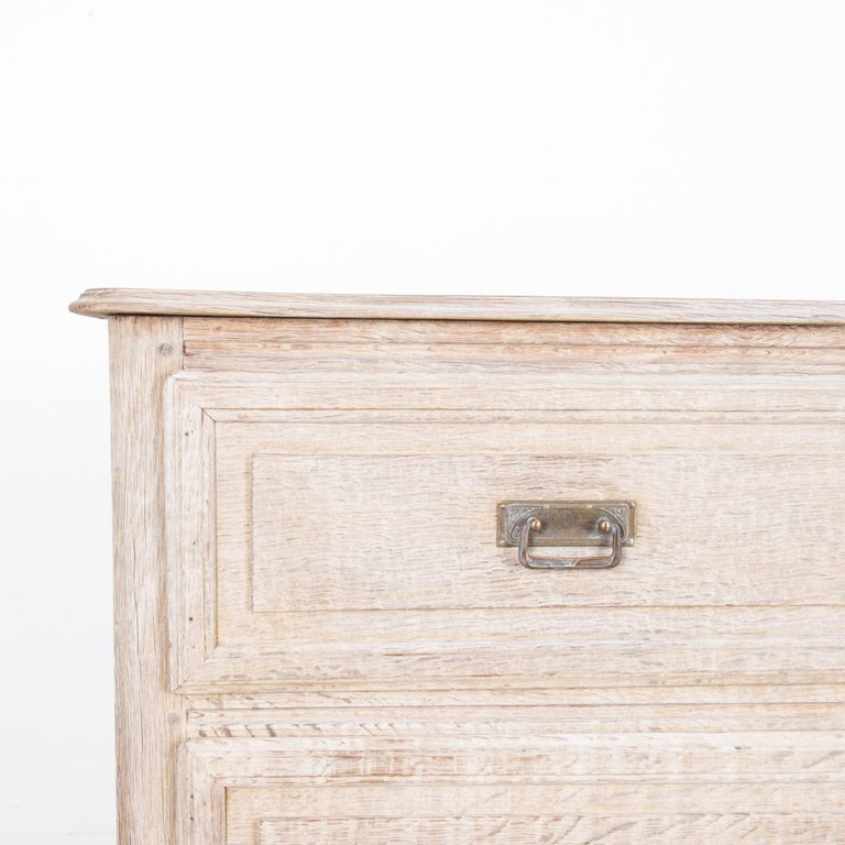 Late 19th Century French Bleached Oak Chest of Drawers For Sale 1