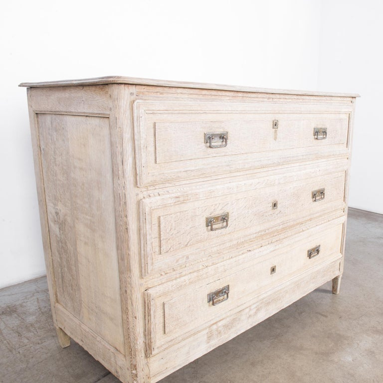 Late 19th Century French Bleached Oak Chest of Drawers For Sale 3