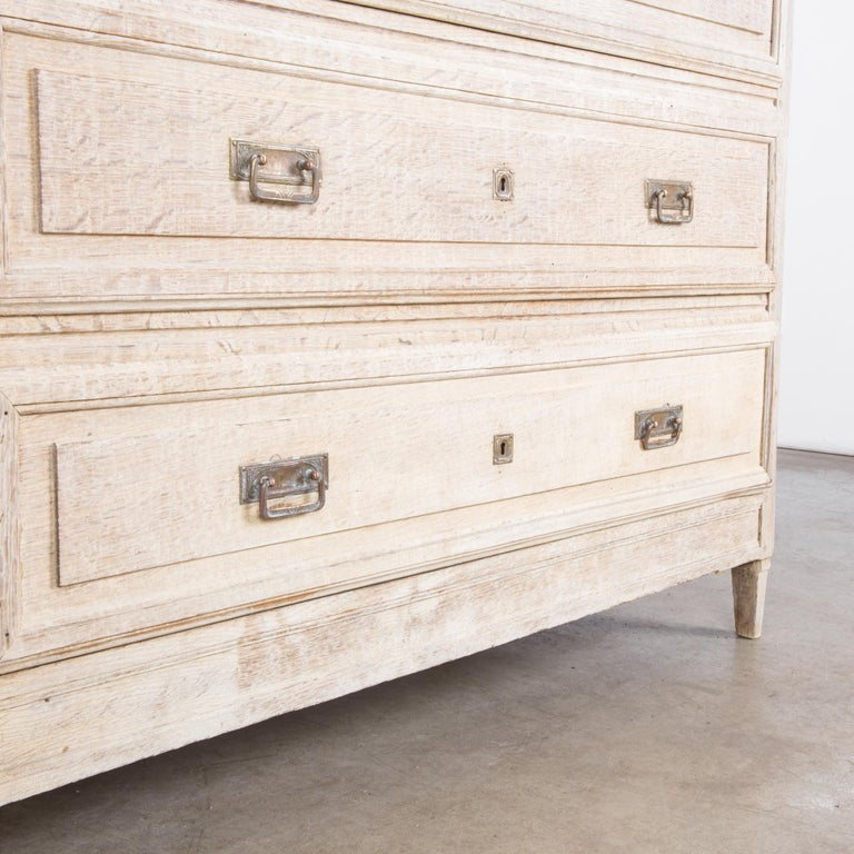 Late 19th Century French Bleached Oak Chest of Drawers For Sale 5