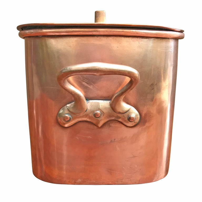 Late 19th Century French Copper Daubiere by J. Jacquotot In Good Condition For Sale In Chicago, IL