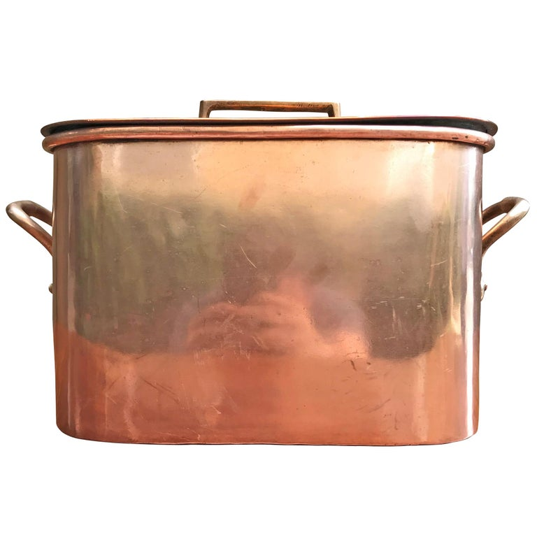 Late 19th Century French Copper Daubiere by J. Jacquotot For Sale